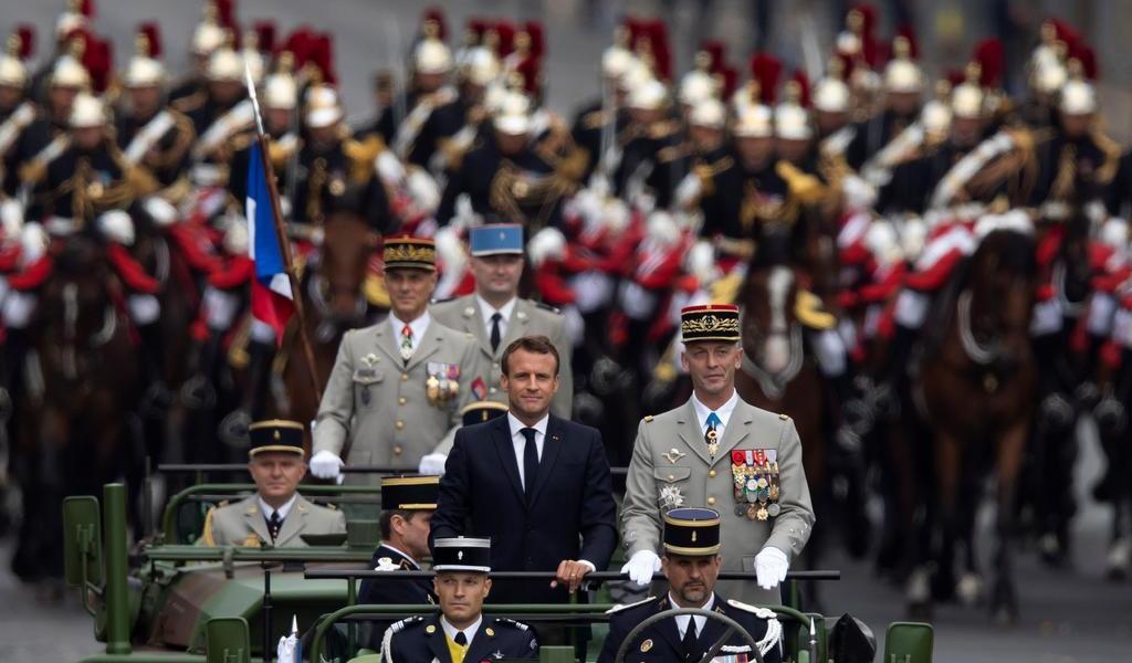 Cancela Francia el próximo desfile del Día de la Bastilla