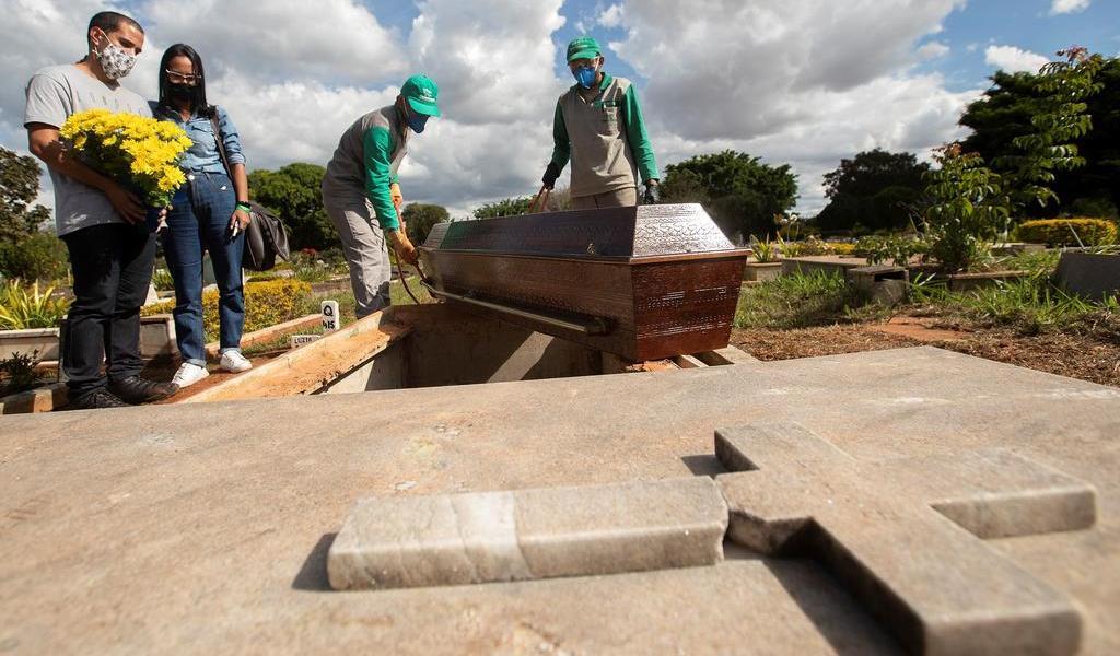 Cambia Brasil su cifra de muertos por COVID-19