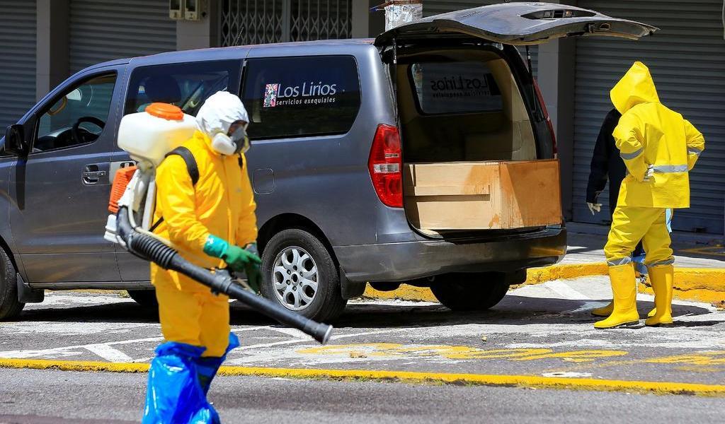 Suma Ecuador 3,621 muertes por COVID-19