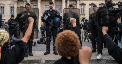 Manifestaciones antirracistas avivan tensiones entre policía y Gobierno en Francia