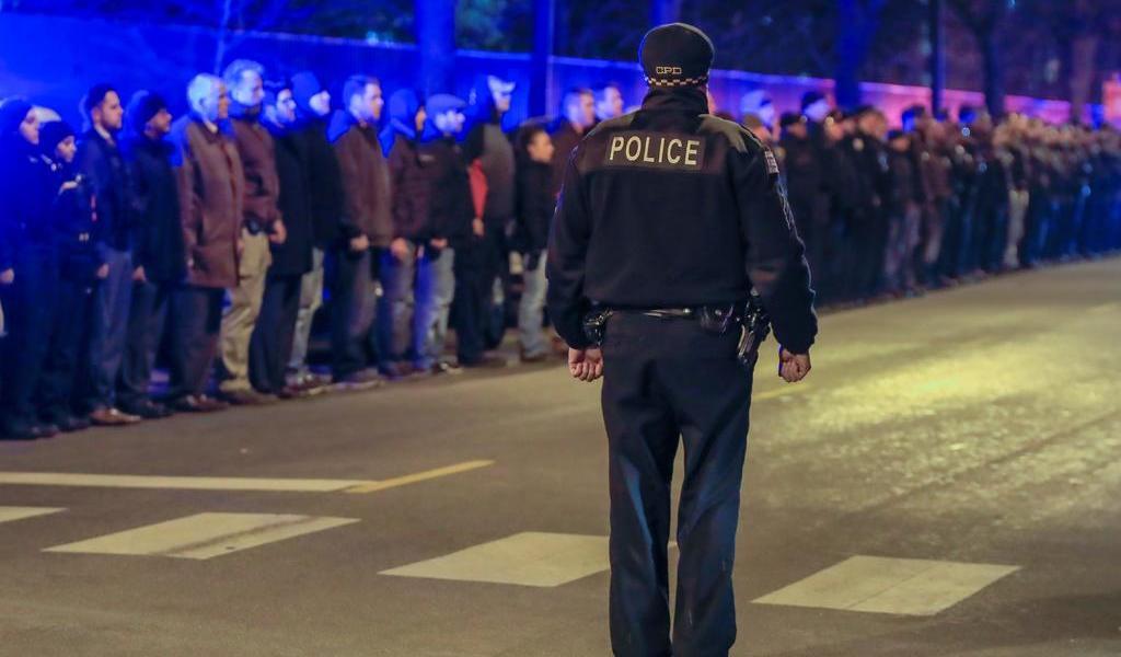 Sindicato de policías en EUA acusa a prensa y políticos de denigrar a agentes