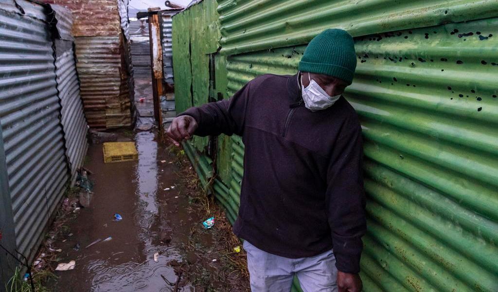 Advierte OMS que la pandemia 'se está acelerando' en África