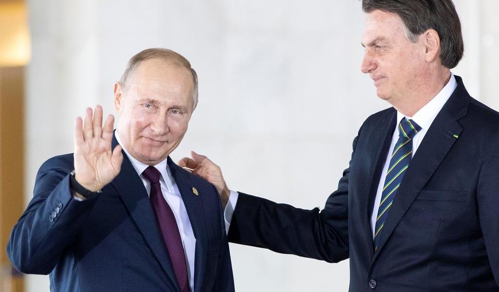 Bolsonaro y Putin acuerdan cooperar contra el COVID-19