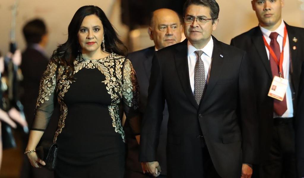 Presidente de Honduras y su esposa dan positivo a COVID-19