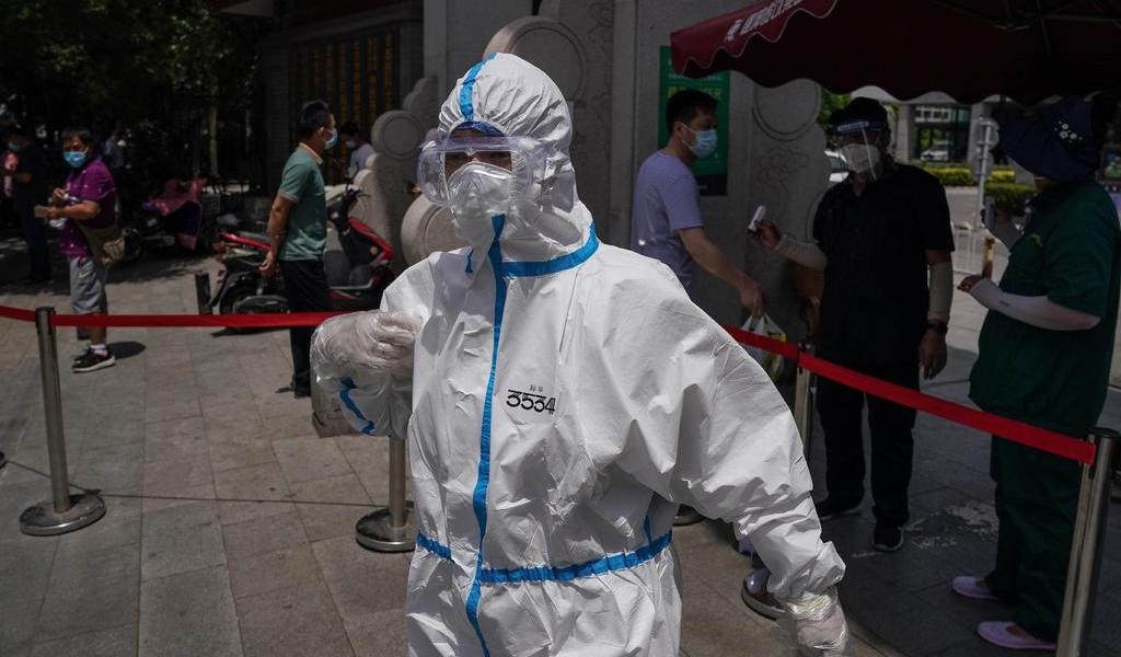 Pekín endurece medidas por brote