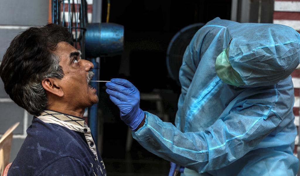 Examinará India a 29 millones por COVID-19 en Nueva Delhi