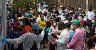 Sin relación, vacunados contra la gripe y muertes por COVID-19
