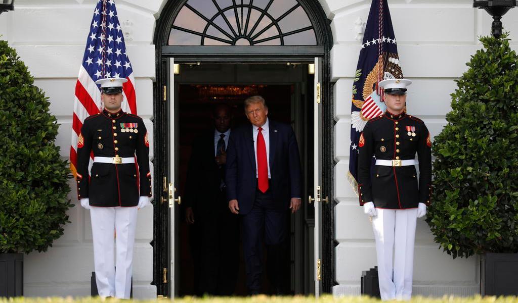 Suspende Trump convención de Florida