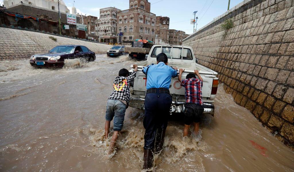 Inundaciones dejan decenas de muertos en Yemen
