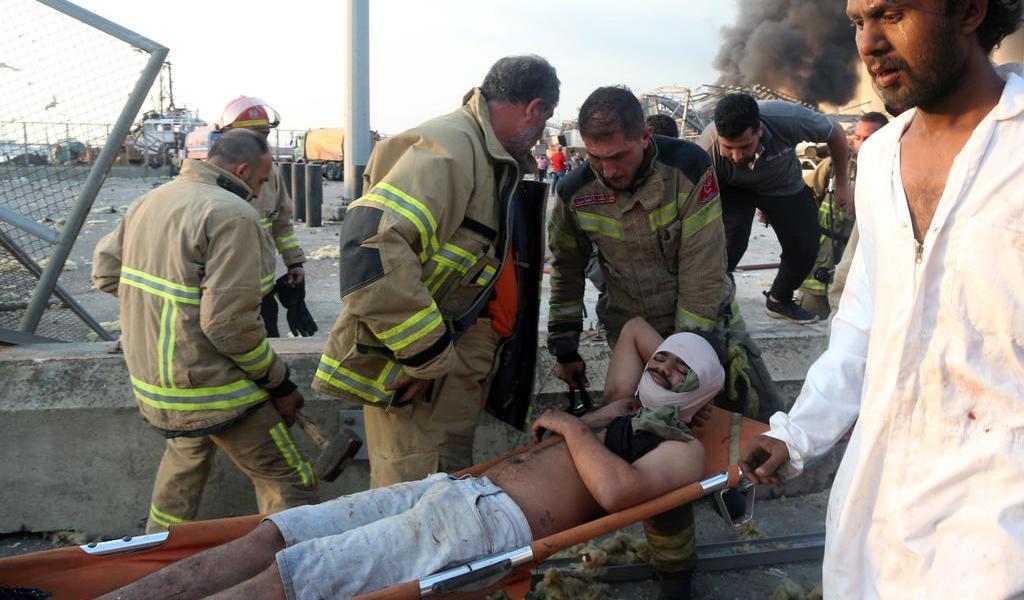 Van más de 50 muertos y 2 mil 750 heridos tras explosión en Beirut