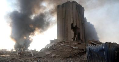 Primer ministro libanés promete castigar a los responsables de la explosión en Beirut
