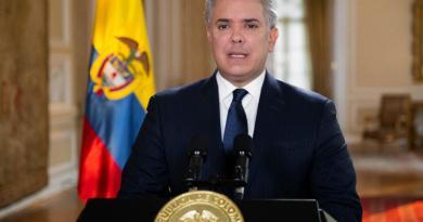 Iván Duque lamenta que a Uribe 'no se le permita defenderse en libertad'