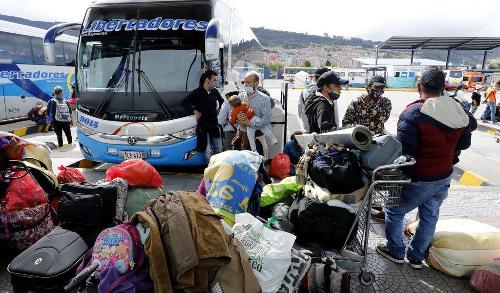 Venezolanos dejan Colombia por la pandemia