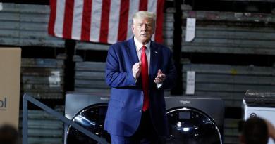 Trump extiende ayuda económica ante el bloqueo en el Congreso de EUA