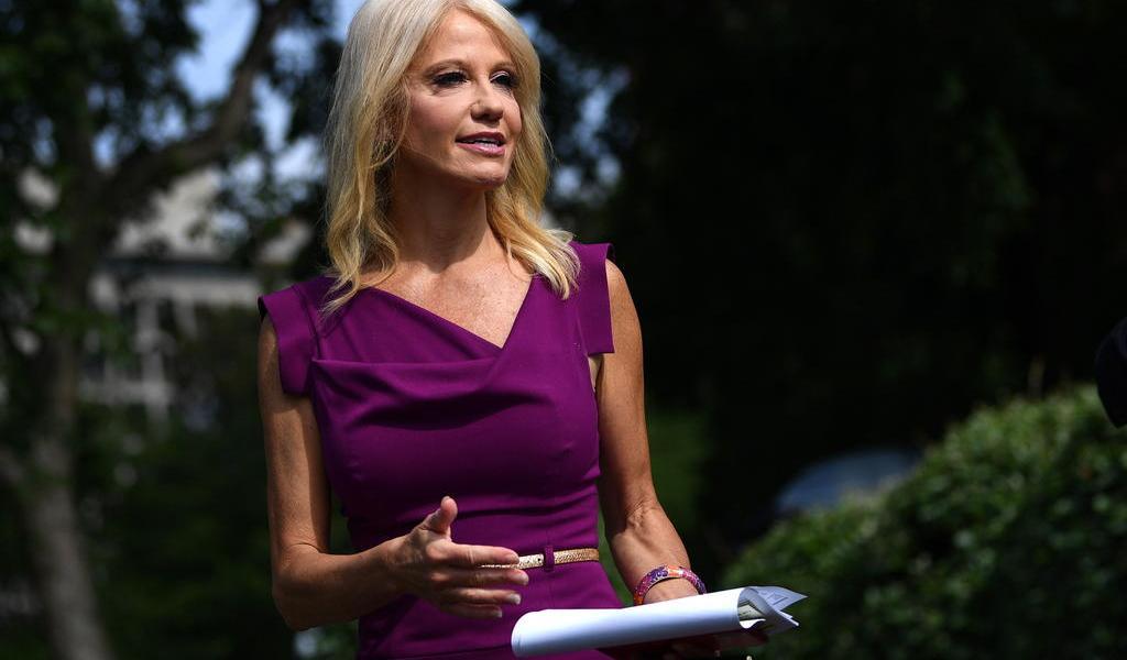 Asesora de Trump dejará su cargo para atender 'asuntos familiares'