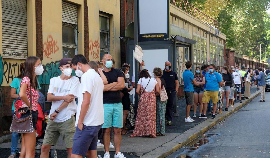 Registra Italia 953 nuevos contagios de COVID-19 en un día