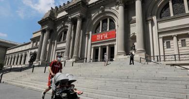 Reabren museos y gimnasios con limitaciones en Nueva York
