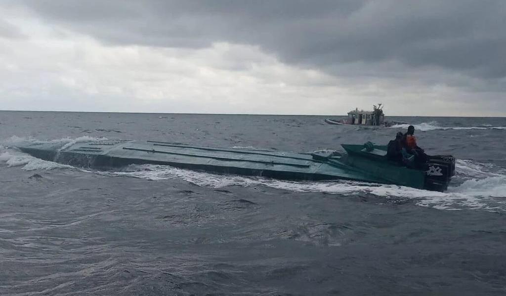 Policía colombiana intercepta submarino del CJNG