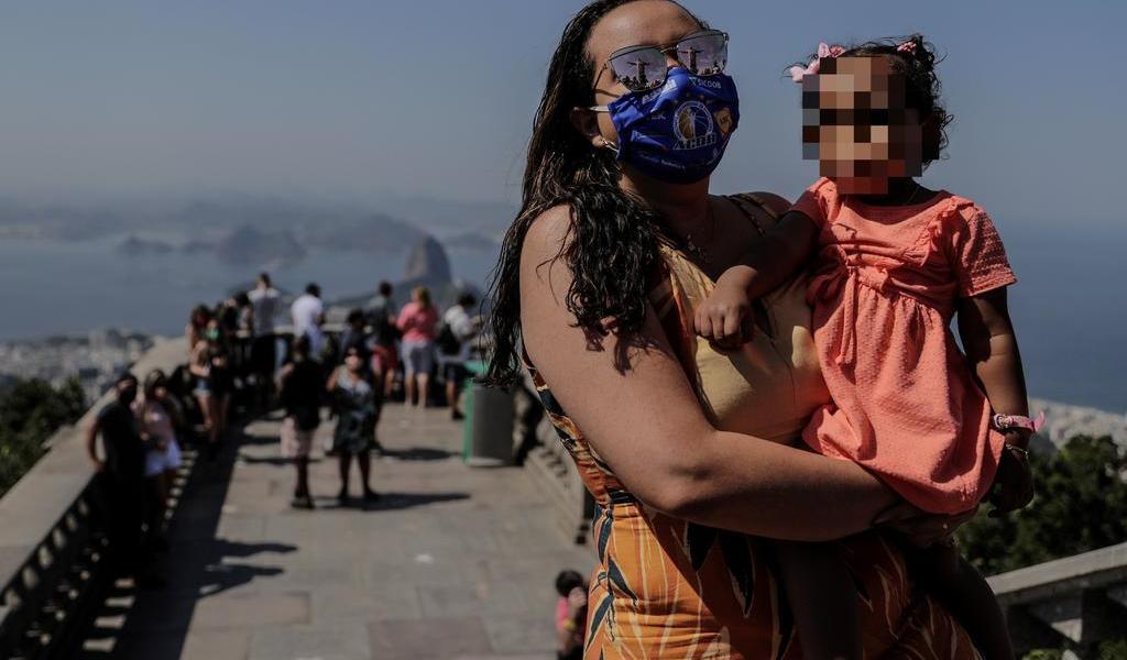 Brasil llega a 120,828 muertes por COVID-19