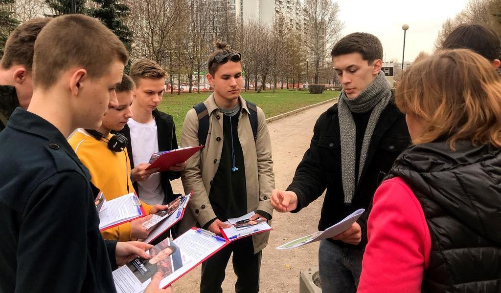 Agreden a otro opositor ruso; el Kremlin niega vínculos con Alexéi Navalni