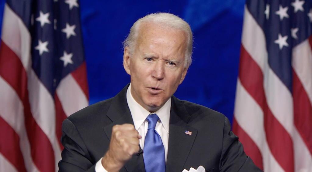 Tras convenciones, Biden continúa aventajando a Trump