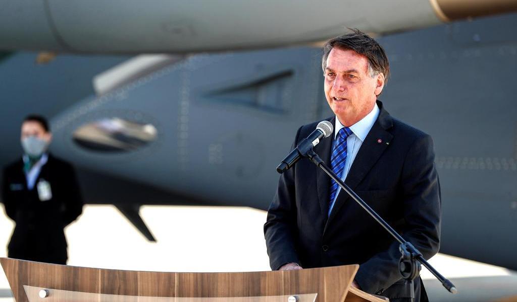 Presenta Bolsonaro reforma para reducir peso de nómina en cuentas públicas
