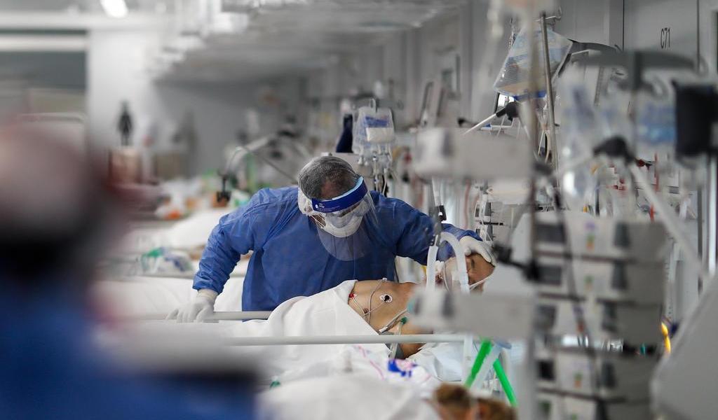 Registra OMS más de 880,000 muertes por COVID-19 en el mundo