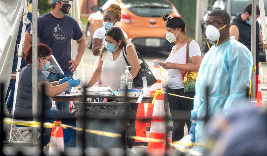 Añade Florida 3,650 casos de COVID-19 en un día