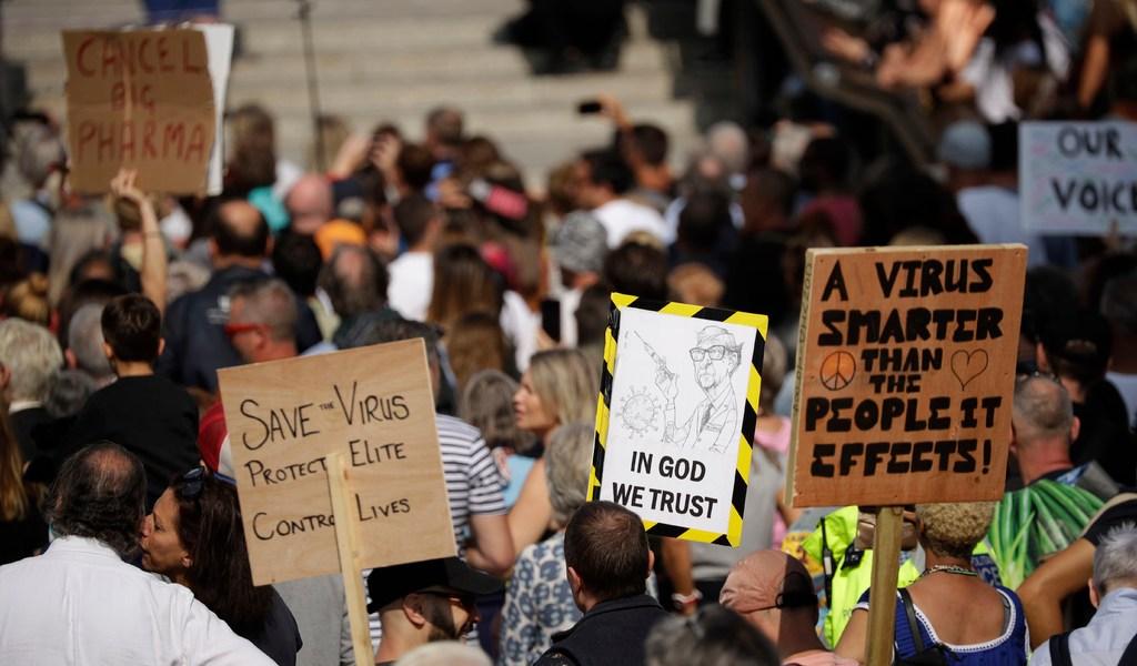 Antivacunas en Londres piden 'libertad'