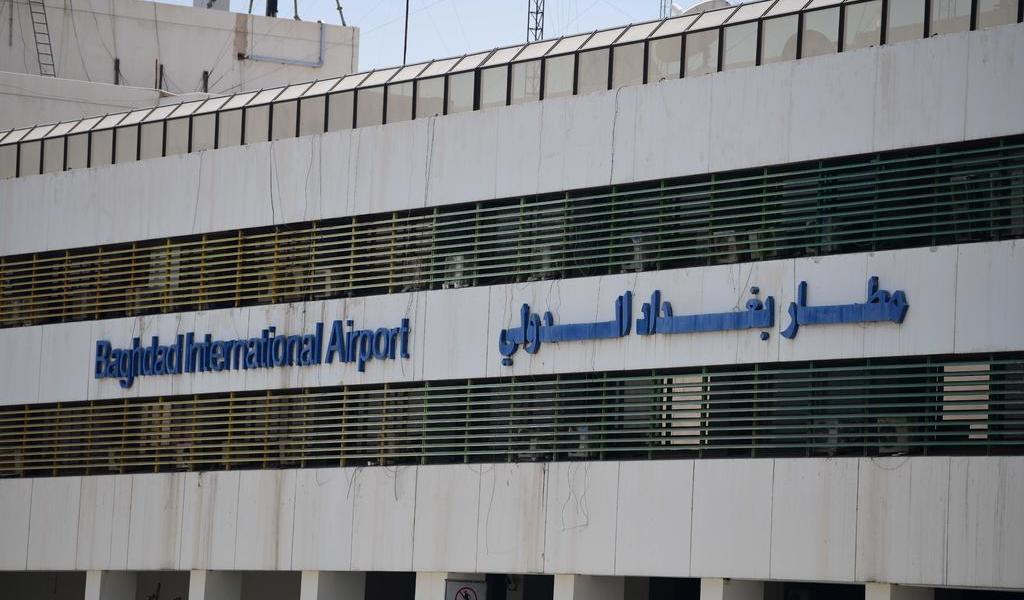 Impacto de un cohete cerca del aeropuerto de Bagdad deja al menos 5 muertos