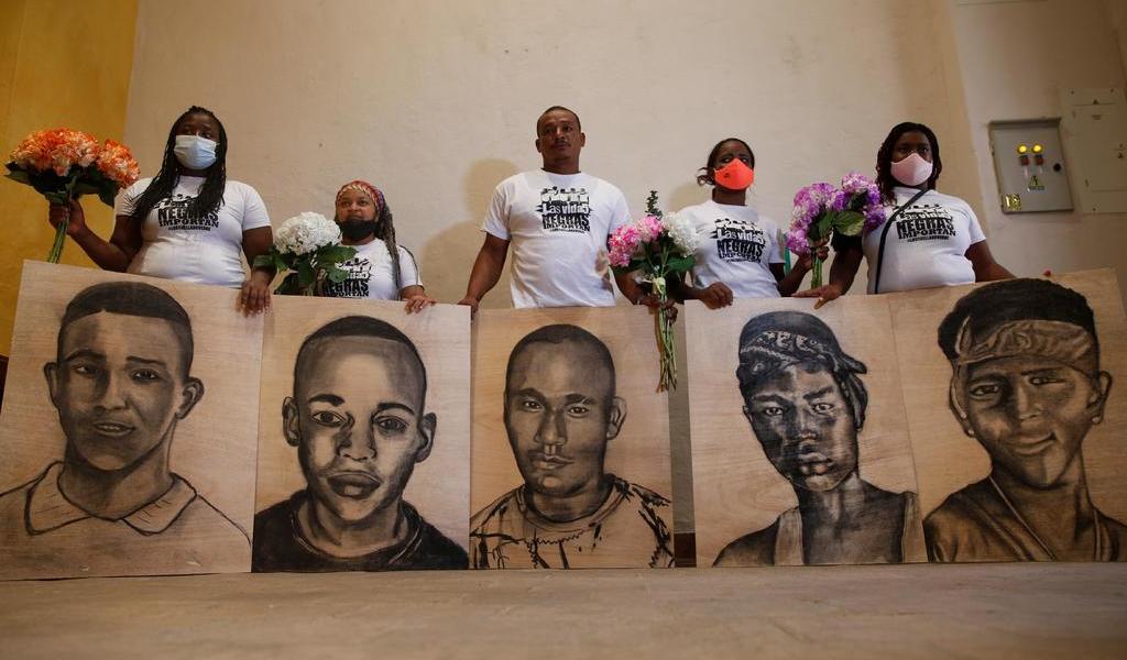 Exigen justicia tras masacre en Colombia