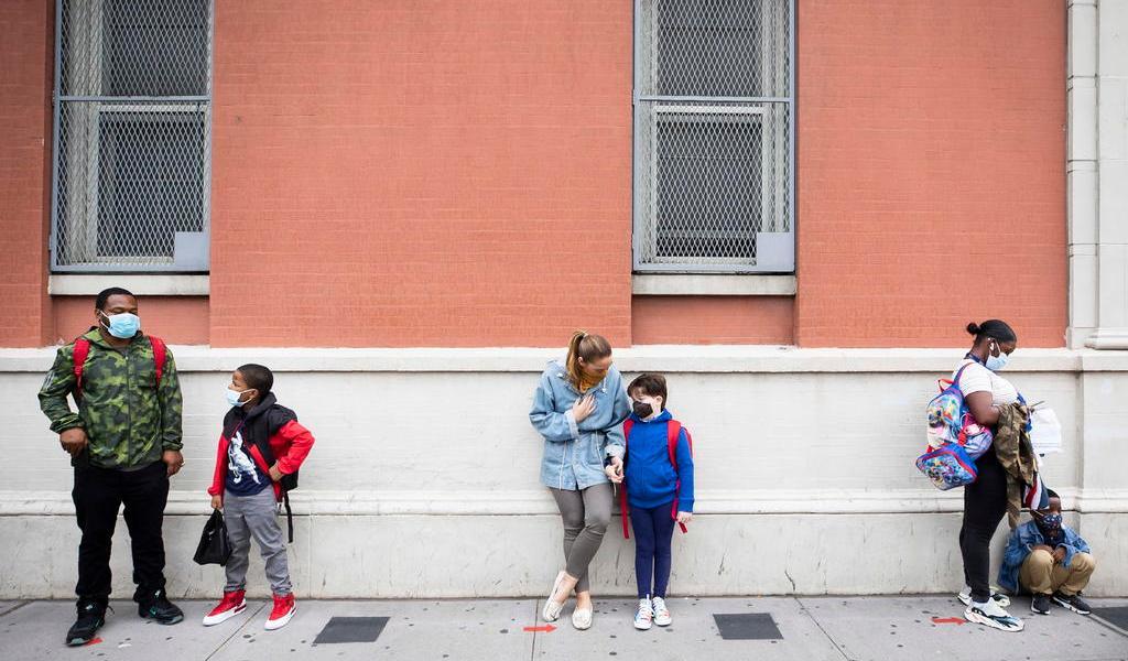 Anuncia Nueva York el cierre de escuelas en zonas con brotes de COVID-19