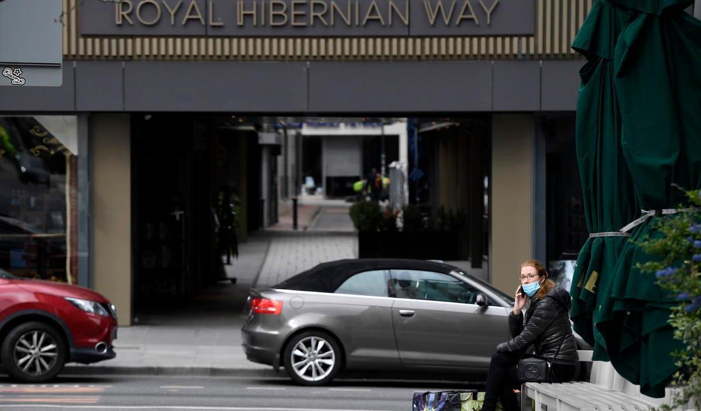 Aplica Irlanda nuevas restricciones; rechaza declarar la alerta máxima