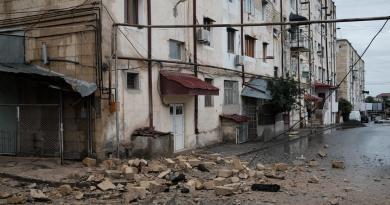 Denuncia Karabaj 'desastre humanitario' por bombardeos azerbaiyanos