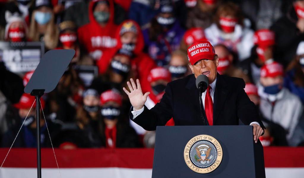 Donald Trump critica a gobernadora de Michigan durante mitin