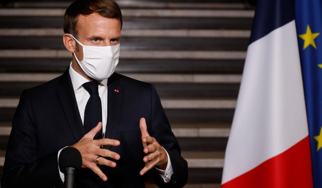 Presidente de Francia quiere más cooperación de Putin tras atentado de un checheno