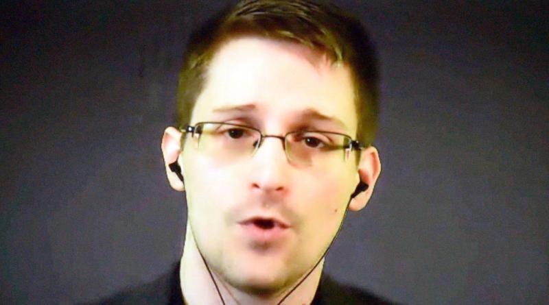 Rusia otorga permiso de residencia permanente a Edward Snowden