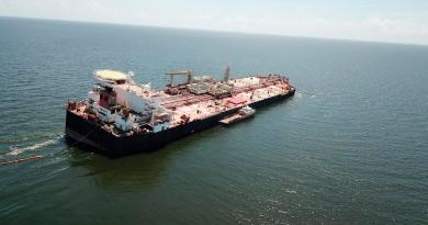 Detienen a siete personas por 'intento de secuestro' de un barco petrolero