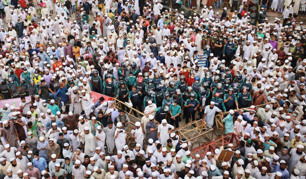 Protestan en Bangladesh contra Macron