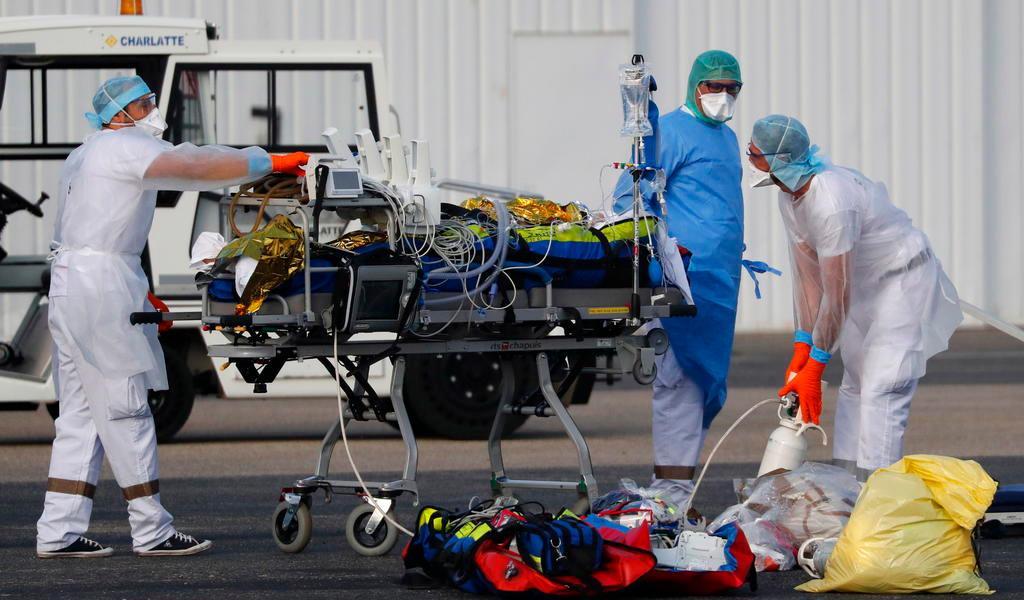 Estados Unidos supera por primera ocasión los 100 mil casos de COVID-19 en 24 horas