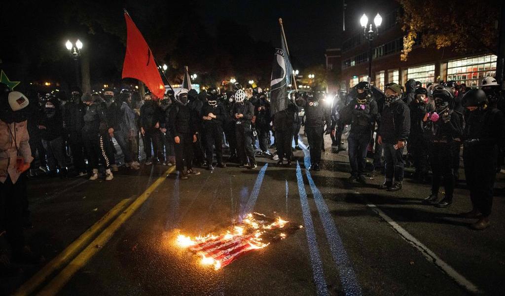 Se realizan decenas de arrestos en protestas tras elecciones de EUA