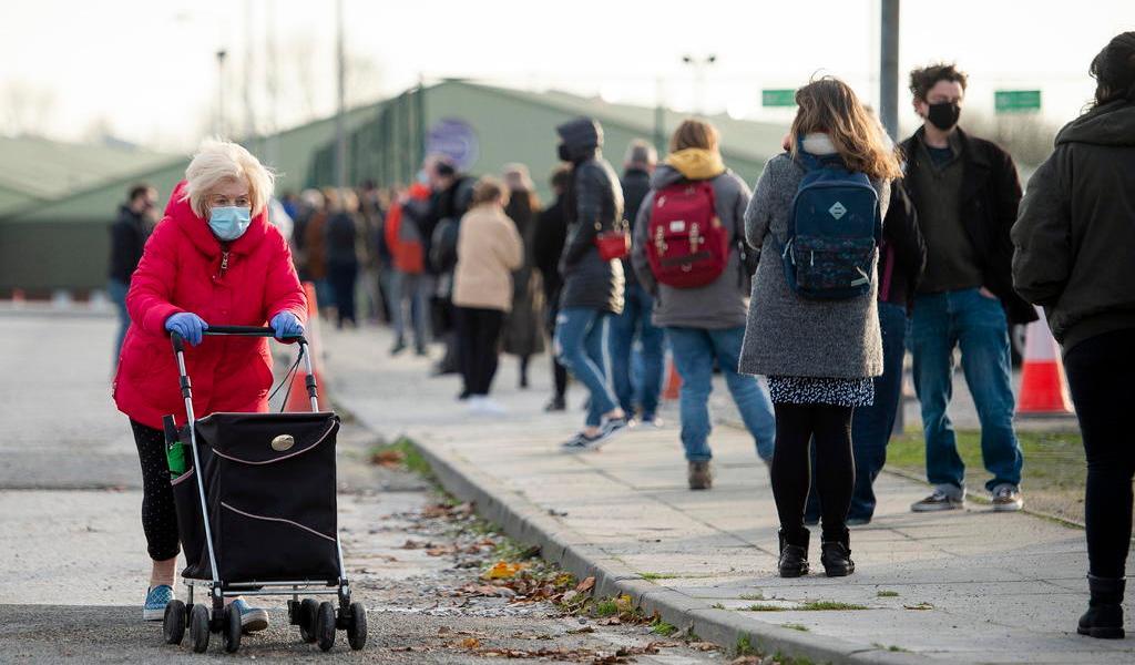 Registra Reino Unido 33,470 nuevos contagios; récord durante la pandemia