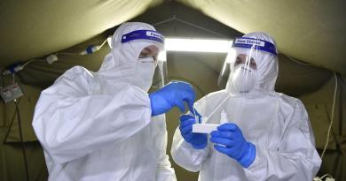 Estados Unidos supera récord de nuevos contagios por COVID-19