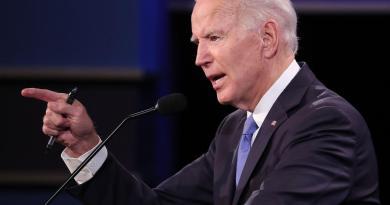 Asesores de Biden se reunirán con fabricantes de vacunas
