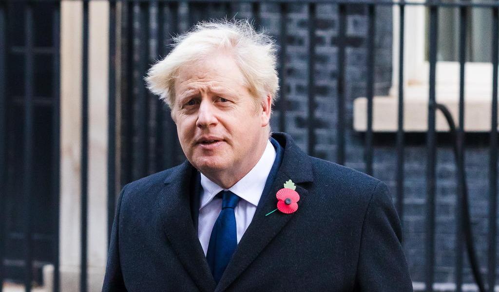 Boris Johnson en aislamiento tras contacto con positivo a COVID-19