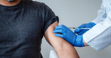 Pfizer eleva al 95 por ciento la efectividad de su vacuna contra COVID-19