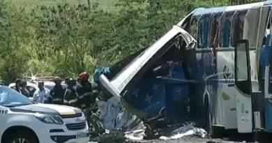 Reportan al menos 40 muertos tras colisión entre autobús y camión en Brasil