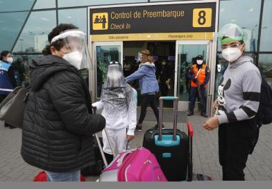Perú reducirá toque de queda y extiende estado de emergencia por COVID-19