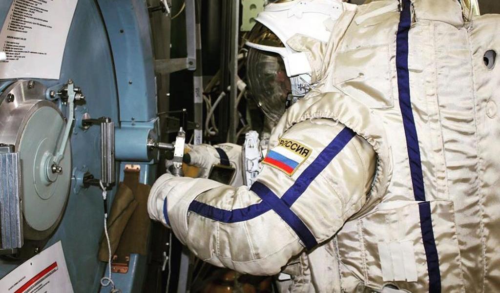 Vacunará Rusia a los cosmonautas contra COVID-19
