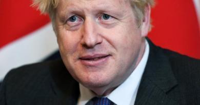 Advierte Johnson que existe una 'gran posibilidad' de un Brexit sin acuerdo